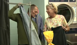 laundry love volunteer helps homeless
